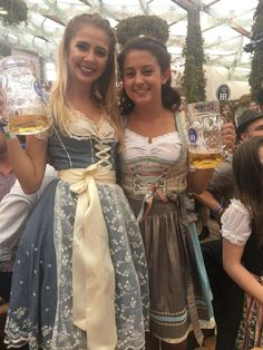 This Oktoberfest Guide will help you navigate one of Europe's largest festivals! Oktoberfest should be on the bucket list for every traveler! Octoberfest Girls, Oktoberfest Beer, Beer Costume, Beer Maid, Beer Girl, German Girls, Beer Festival, Best Beer, Munich