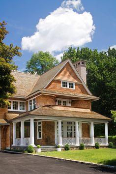 Farmhouse | Fresh Farmhouse | Mockler Taylor Architects, Greenwich, CT. Robert Benson photo.
