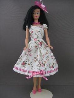 Magic Moments. Zelfgemaakte Barbie kleding te koop via Marktplaats bij de advertenties van Nala fashion. Homemade Barbie doll clothes for sale through Marktplaats.nl verkocht/sold