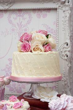 A Very Shabby Cake:)