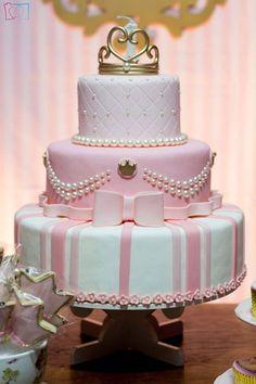 bolos decorados para 15 anos ideias, modelos e fotos de bolos de aniversário