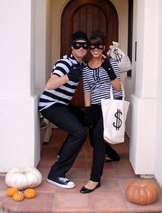 robbers halloween costume for couples