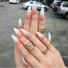 Stilleto Nails It's time to transform your dull and plain nails with these 35 stylish pointy stiletto nails designs. Truly, you can attract the crowd with just your nails! Cute Acrylic Nails, Matte Nails, Acrylic Nail Designs, Nail Art Designs, Stelleto Nails, Coffin Nails, Nails 2016, Gradient Nails, Long Stiletto Nails
