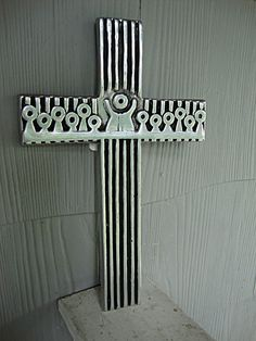 Measurements: 12 x 8 x 3/8    An amazing Mid Century Modernism design showing the Cross with an abstract design of the Last Supper on the transept, outlined with black enamel work. The #3 photo shows the cross wall mounted indoors.    I believe the metal is a casting of polished aluminum as it has not tarnished in 50 years!    Beautifully detailed and designed - but not artist signed. Could this be a one of piece of 1960s studio art? Possibly Scandinavian.    ***I ship WORLDWIDE. Please ...