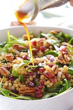 Couscous Salad Dressing, Pearl Couscous Salad, Chicken Salad Recipes, Healthy Salad Recipes, Vegetarian Recipes, Savory Salads, Pasta Recipes, Soup Recipes, Mediterranean Couscous Salad