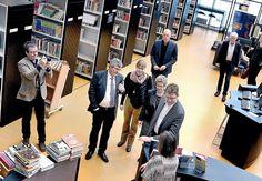 Ministerbesøg i biblioteket. Bygge og energiminister Rasmus Helveg, Rektor Ulla Kock, Borgmester Joy Mogensen og Ressource- og Teknologidirektør Niels Benn Sørensen.