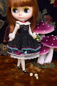 Beautiful Blythe dress,  Wow amazing details