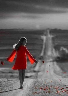 """__"""" Corri contra o tempo, voei com o vento, te procurei nesta ansiedade que me sufoca, mas tudo que encontrei foi esta saudade de tudo que vivi com você""""... #vermelho"""