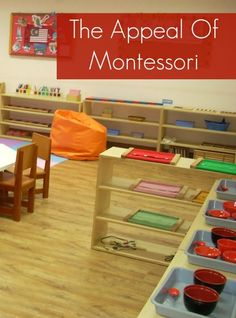 montessori people say that an organized play space helps little ones organize their thoughts--that is definitely true for mommy! Love, love, love the visibility of toys and materials in this non-cluttered room.