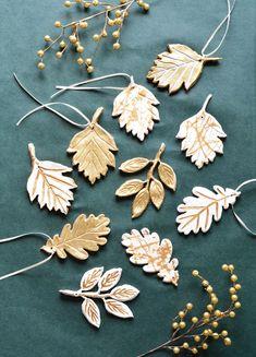 Modern Christmas, Christmas Tree Ornaments, Christmas Decor, Xmas, White Sharpie, Classic Gold, Crafts For Kids To Make, Diy Schmuck, Air Dry Clay