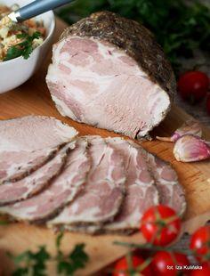 pyszne pieczone mięso jako wędlina domowa. Karkówka pieczona z czosnkiem i majerankiem