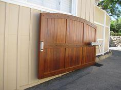Electric Driveway Gates, Driveway Entrance, Entrance Gates, Grand Entrance, Modern Driveway, Garage Gate, Backyard Plan, Automatic Gate, Front Yard Fence