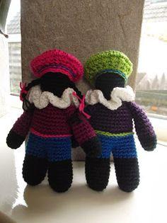 """Free """"zwarte piet"""" crotchet pattern written in Dutch. Crochet Dolls, Crochet Baby, Free Crochet, Crotchet Patterns, Knitting Patterns, Crochet Christmas Ornaments, Binky, Crochet For Beginners, Crochet Animals"""