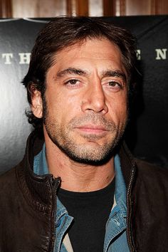 Actor Javier Bardem arrives at the VIP screening of 'No Country For Old Men' at the Covent Garden Hotel on November 22 2007 in London England Before Night Falls, Bell Gardens, Javier Bardem, Asian Garden, Nicolas Cage, Falling In Love With Him, Garden Gifts, Old Men, White Man