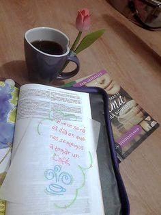 Hay muchas cosas importantes en la vida 😉 como el café, pero sólo una es necesaria... ¡La presencia de Dios! Que hoy no te falte ninguna de las dos! 😊