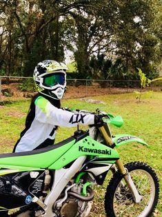 God I want a dirtbuke so bad Motocross Love, Motocross Girls, Enduro Motocross, Enduro Motorcycle, Moto Bike, Motorcycle Outfit, Girl Dirtbike, Dirt Bike Room, Dirt Bike Girl