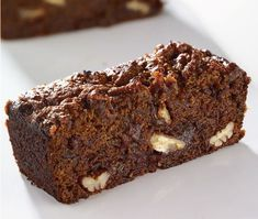 Gâteau moelleux aux dattes   yoopa.ca Bon Dessert, Paleo Dessert, Cookie Desserts, Just Desserts, Cas, Healthy Breakfast Snacks, Cake Recipes, Dessert Recipes, Glaze For Cake