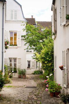 Cour intérieure - village de Charonne - Paris 20ème  Et si on se promenait... à Paris !
