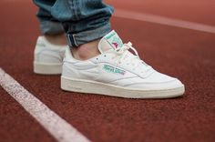 Sneakers Homme Reebok Ideas For 2019 Reebok C85, Reebok Club C, Sneaker Reebok, Sneakers Shoes, Sneakers Mode, Sneakers Fashion, Club C 85 Vintage, Vintage Nike, Sneaker Outfits