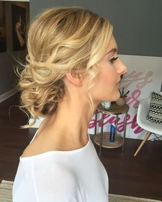 effortlessly cool and romantic ✌️#updo #weddinghair #lowbun