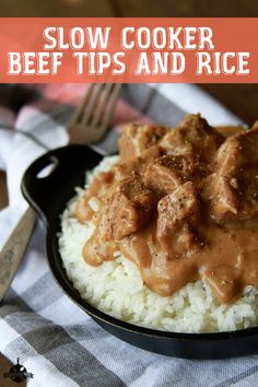Cooker Beef Tips and Rice These Slow Cooker Beef Tips are the perfect hearty meal for a busy weeknight! via Slow Cooker Beef Tips are the perfect hearty meal for a busy weeknight! Crockpot Dishes, Crock Pot Slow Cooker, Crock Pot Cooking, Beef Dishes, Slow Cooker Recipes, Beef Recipes, Cooking Recipes, Recipies, Slow Cooker Steak Tips