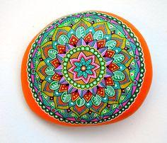 Hand Painted Stone Adriatic Sea Mandala di ISassiDellAdriatico