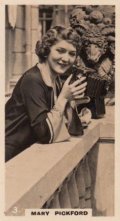 Mary Pickford great silent star of Hollywood & camera, 1920s (please follow minkshmink on pinterest)