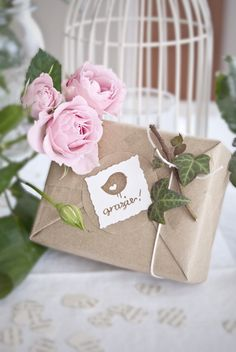 Shabby chic wrapping idea