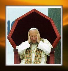 Sosnowiec (polonia meridionale), il papa in meditazione durante il suo ultimo pellegrinaggio nella sua terra natale, il 15 giugno 1999