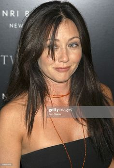 """Consumer Products and Henri Bendel Host Purr-fect """"Catwoman"""" - - Shannen Doherty Online - Photo Gallery Serie Charmed, Charmed Tv Show, Shannen Doherty Charmed, Shannon Dorothy, Chris Halliwell, Elizabeth Berkley, Charmed Sisters, Jennie Garth, Emma Watson Sexiest"""