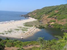 After discovering the unconventional beauty of this place, it will be hard for you to leave it all behind. So take advantage of everything while being there. Goa India, Karnataka, Homes, River, Holidays, Places, Outdoor, Outdoors, Houses