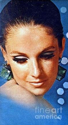 1960 70 Stylish Lady In Blue