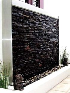 Backyard Water Feature Wall Garden Ideas Ideas - backyard - HOME Indoor Waterfall Fountain, Water Wall Fountain, Water Fountain Design, Indoor Water Fountains, Indoor Fountain, Fountain Ideas, Tabletop Fountain, Indoor Waterfall Wall, Outdoor Wall Fountains