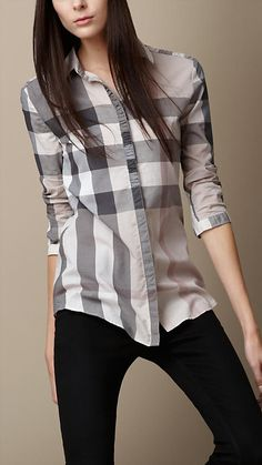 Burberry women's shirts and tops refined through pattern and proportion, in silk and cotton. Simple Shirt Design, Simple Shirts, Corsage, Burberry Shirt Women, Minimal Fashion, Minimal Style, Fashion Updates, Summer Shirts, Shirts For Girls