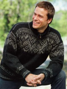 dale of norway Nordic Pullover, Nordic Sweater, Men Sweater, Jumper Knitting Pattern, Knitting Patterns, Farm Clothes, Norwegian Knitting, Country Attire, Fair Isle Knitting