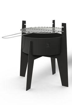 De grillhaard Norsk heeft het grote voordeel dat u zonder onderbrekingen kunt genieten van een gezellige zomeravond. De grillhaard kan eerst als barbecue gebruikt worden en vervolgens omgetoverd worden in een tuinhaard! Er is niks wat een geslaagde barbecue afmaakt als een knapperend vuurtje in de avond. De Norsk Grillhaard is een compact model wat ideaal is voor in een kleine tuin of voor op balkon! De Norsk grillhaard is makkelijk verplaatsbaar en erg gebruiksvriendelijk. Onze prijs €…