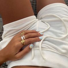 Daily Fashion, Fashion Beauty, Casual Home Decor, Look Good For You, Hand Ring, Beige Aesthetic, Diamond Are A Girls Best Friend, Cute Nails, Passion For Fashion