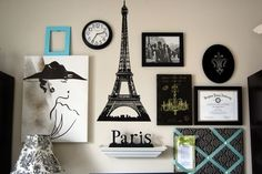 Skip frames and create a gallery wall around a theme 32 Creative Gallery Wall Ideas To Transform Any Room Paris Room Decor, Paris Rooms, Paris Bedroom, Paris Room Themes, London Decor, London Wall, Paris Wall Art, Thema Paris, Bedroom Themes