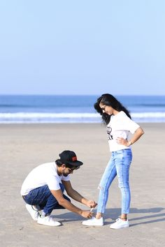 Pre Wedding Shoot Ideas, Wedding Couple Poses, Pre Wedding Photoshoot, Couple Posing, Wedding Couples, Love Couple Images, Couples Images, Cute Couple Pictures, Cute Couples