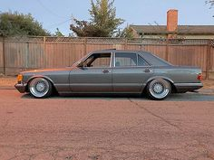 Mercedes Benz R Class, Mercedes W126, Old Mercedes, Benz S Class, Classic Mercedes, Mercedes Benz Wallpaper, Custom Mercedes, Old School Cars, Old Classic Cars