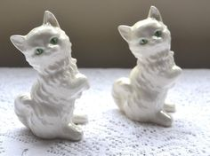 Vintage Goebel White Persian Cat Salt and Pepper Shakers w/Green Eyes
