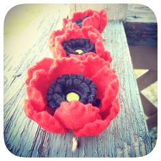 Felt red poppy hair clips by Sarahbellum in Chelan, WA