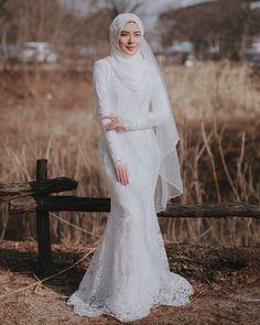 184 coolest wedding dresses for muslim brides – page 1 Wedding Hijab Styles, Hijabi Wedding, Muslimah Wedding Dress, Hijab Bride, Muslim Wedding Dresses, Muslim Brides, Dream Wedding Dresses, Bridal Dresses, Beautiful Prom Dresses
