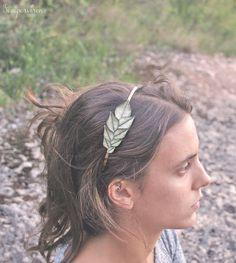 Mira este artículo en mi tienda de Etsy: https://www.etsy.com/listing/248465626/green-leaf-tiara-ref-1