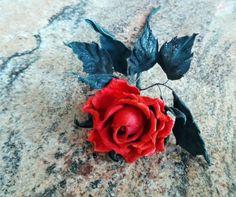 Leather #red rosered roseLeather Flowersanniversary giftInterior flowerflowers leatherRomantic giftdecorative artdecorative rosedecorative flower single flowersro... #rose ➡️ http://jto.li/DbXpk