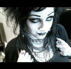 A couple of almost noseless selfies after keller kinder's wee video shoot with the makeup I wore for 30 mins before going to work, boo! Goth Makeup, Dark Makeup, Gothic Looks, Punk Princess, Dark Photography, Gothic Outfits, Dark Fashion, Gothic Beauty, Goth Girls
