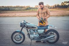 Elegant Four | Ton up Garage - RocketGarage - Cafe Racer Magazine
