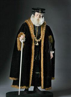 Tudor Costume / William Cecil Figure by George Stuart Renaissance, Historical Costume, Historical Clothing, Queen Mary, Queen Elizabeth, Elisabeth I, 16th Century Fashion, Tudor Costumes, Tudor Fashion