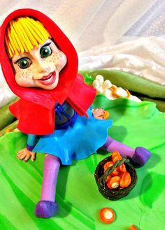 Little Red Riding Hoodie Cake by Ludmila Petrovskaja.