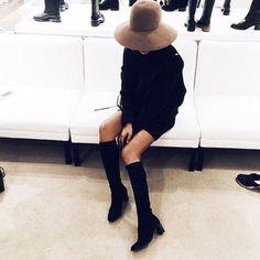 Jueves de botas negras y sombrero camel  #inspiracion #looksbarcelonette #barcelonette #quemepongo #mola @stylebymanda #showshopping #styleblogger